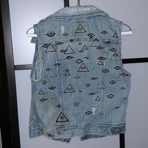 Levi's evil eye vest